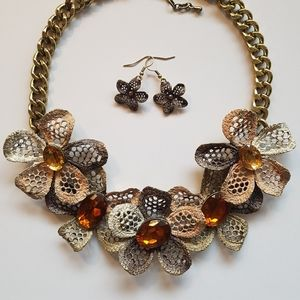 floral necklace with earrings set